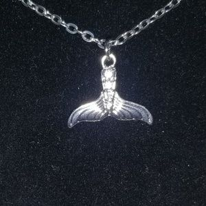 Fishtail pendant